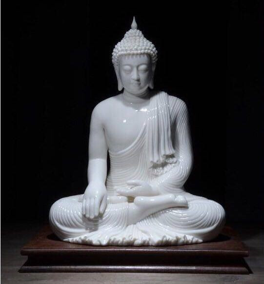 Cảm Thắng Ma Vương thủ ấn (Maravijaya Mudra) hay còn gọi là Xúc Địa thủ ấn (Bhūmisparśa Mudra)
