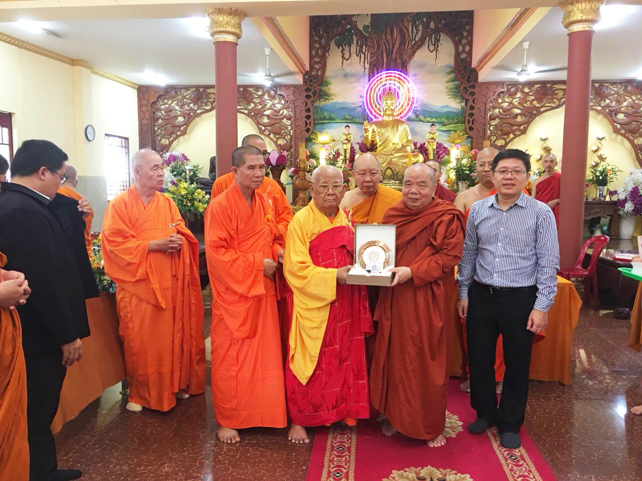 Phái đoàn Phật giáo An Nam tông Thái Lan đến thăm chùa Bửu Quang - an-nam-10.jpg (775366 KB)