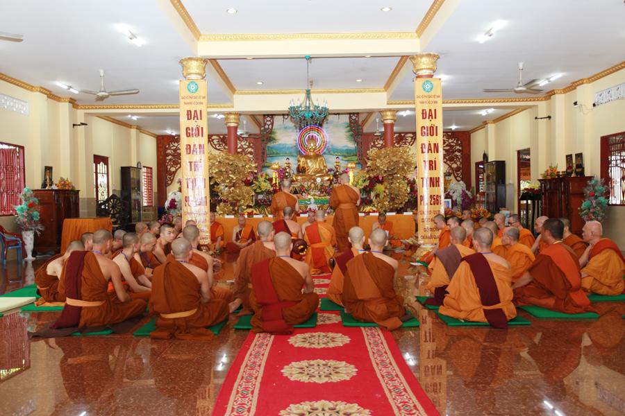Chùm ảnh Đại Giới đàn Trí Tịnh 2018-Giới trường Chùa Bửu Quang - gioi-dan-tri-tinh-113.jpg (580062 KB)