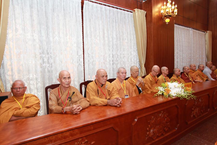 Chùm ảnh Đại Giới đàn Trí Tịnh 2018-Giới trường Chùa Bửu Quang - gioi-dan-tri-tinh-16.jpg (515043 KB)