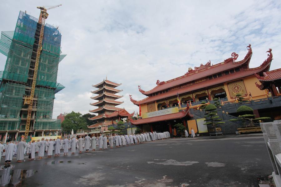Chùm ảnh Đại Giới đàn Trí Tịnh 2018-Giới trường Chùa Bửu Quang - gioi-dan-tri-tinh-2.jpg (489385 KB)