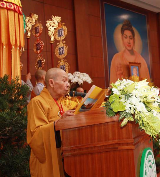 Chùm ảnh Đại Giới đàn Trí Tịnh 2018-Giới trường Chùa Bửu Quang - gioi-dan-tri-tinh-23.jpg (331927 KB)