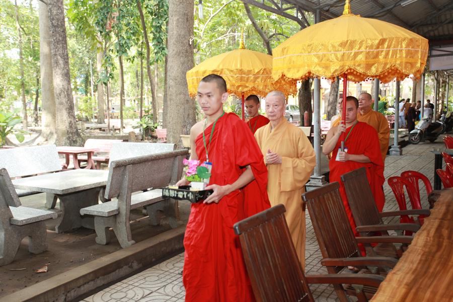 Chùm ảnh Đại Giới đàn Trí Tịnh 2018-Giới trường Chùa Bửu Quang - gioi-dan-tri-tinh-25.jpg (645977 KB)