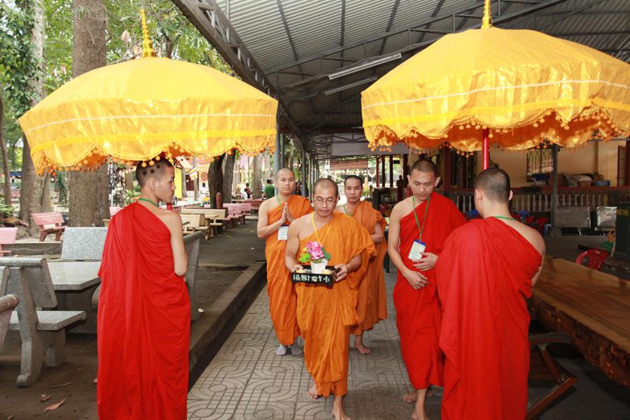 Chùm ảnh Đại Giới đàn Trí Tịnh 2018-Giới trường Chùa Bửu Quang - gioi-dan-tri-tinh-27.jpg (603807 KB)
