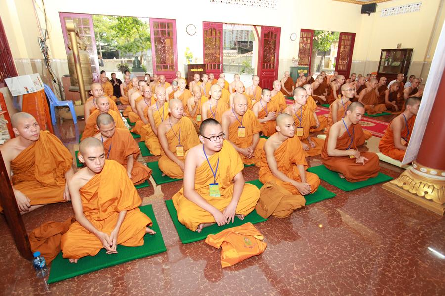 Chùm ảnh Đại Giới đàn Trí Tịnh 2018-Giới trường Chùa Bửu Quang - gioi-dan-tri-tinh-34.jpg (661271 KB)