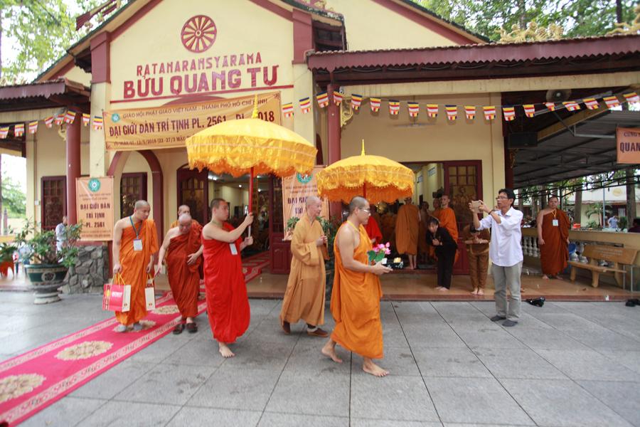 Chùm ảnh Đại Giới đàn Trí Tịnh 2018-Giới trường Chùa Bửu Quang - gioi-dan-tri-tinh-51.jpg (572203 KB)