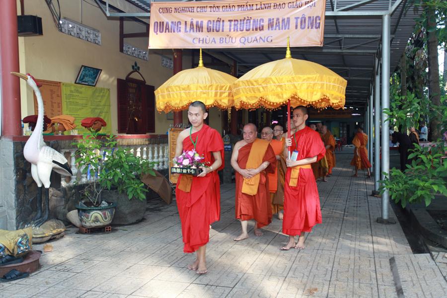 Chùm ảnh Đại Giới đàn Trí Tịnh 2018-Giới trường Chùa Bửu Quang - gioi-dan-tri-tinh-55.jpg (616909 KB)
