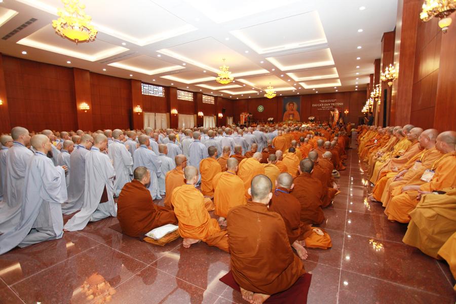 Chùm ảnh Đại Giới đàn Trí Tịnh 2018-Giới trường Chùa Bửu Quang - gioi-dan-tri-tinh-8.jpg (561153 KB)