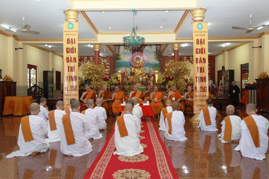 Chùm ảnh Đại Giới đàn Trí Tịnh 2018-Giới trường Chùa Bửu Quang - gioi-dan-tri-tinh-82.jpg (555769 KB)