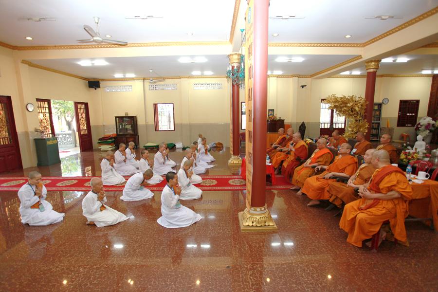 Chùm ảnh Đại Giới đàn Trí Tịnh 2018-Giới trường Chùa Bửu Quang - gioi-dan-tri-tinh-84.jpg (559443 KB)