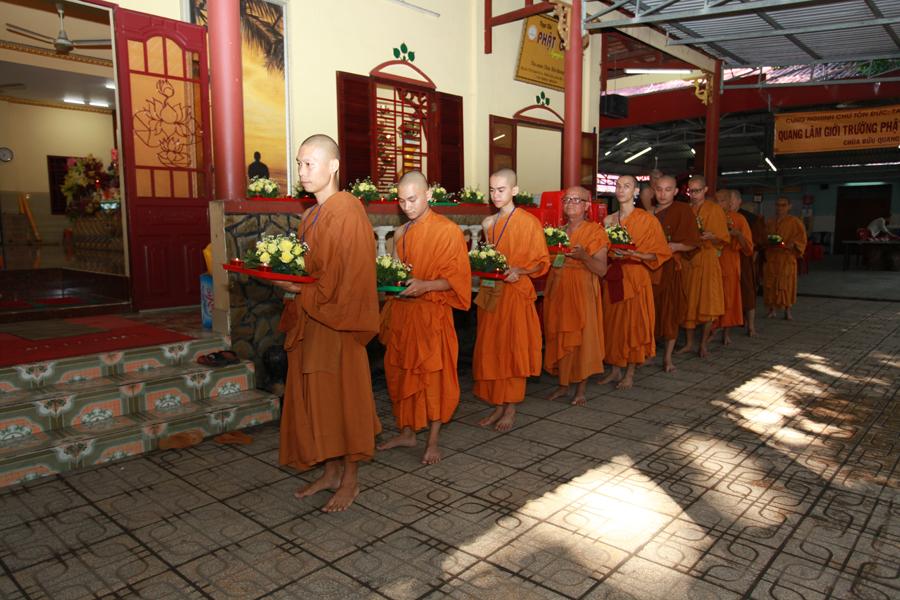 Chùm ảnh Đại Giới đàn Trí Tịnh 2018-Giới trường Chùa Bửu Quang - gioi-dan-tri-tinh-86.jpg (566072 KB)