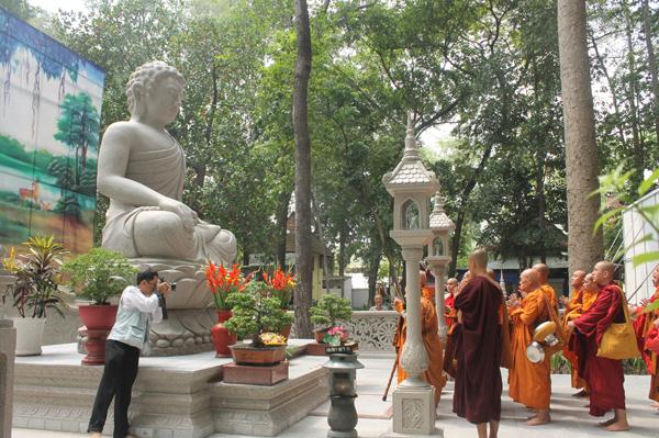 Đại lễ Vesak 2018 tại chùa Bửu Quang-Thủ Đức - vesack2018-12.jpg (372140 KB)