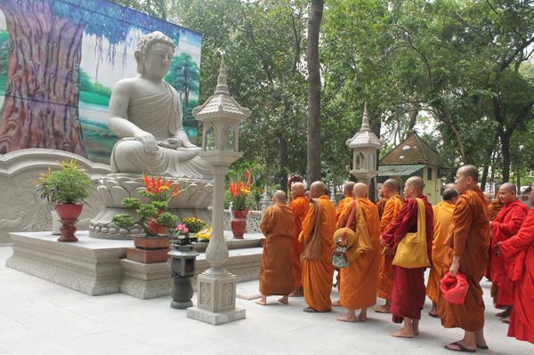Đại lễ Vesak 2018 tại chùa Bửu Quang-Thủ Đức - vesack2018-13.jpg (331776 KB)