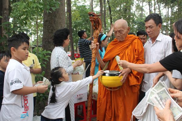 Đại lễ Vesak 2018 tại chùa Bửu Quang-Thủ Đức - vesack2018-35.jpg (314574 KB)