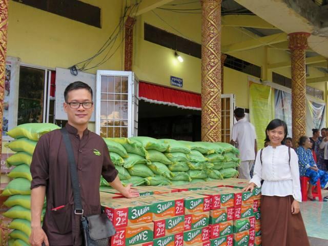 Vật Phẩm hỗ trợ Đồng bào nghèo nhân dịp Trung Thu