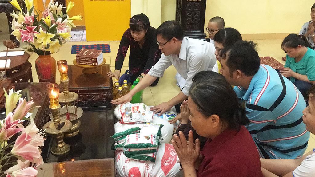 Phái đoàn chùa Bửu Quang thăm và cúng dường trường hạ năm 2018 - truong-ha-bat-chanh-dao-1.jpg (633814 KB)