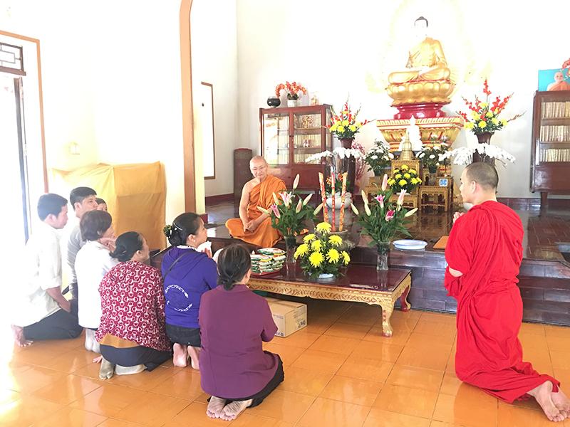 Phái đoàn chùa Bửu Quang cúng dường trường hạ năm 2018 - truong-ha-buu-long-2.jpg (409761 KB)