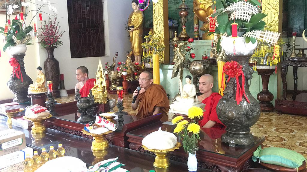 Phái đoàn chùa Bửu Quang thăm và cúng dường trường hạ năm 2018 - truong-ha-buu-thang-2.jpg (689673 KB)