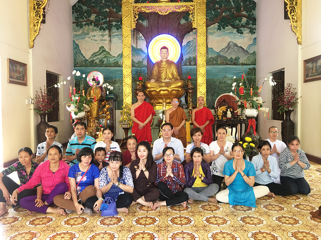 Phái đoàn chùa Bửu Quang thăm và cúng dường trường hạ năm 2018 - truong-ha-buu-thang-3.jpg (961432 KB)