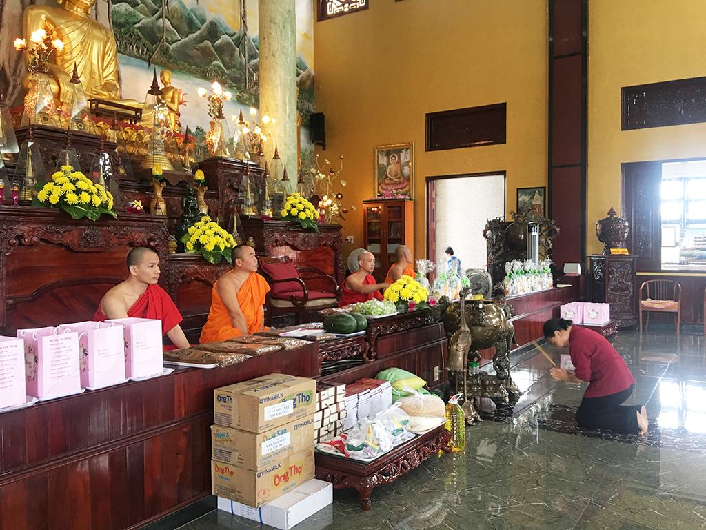 Phái đoàn chùa Bửu Quang thăm và cúng dường trường hạ năm 2018 - truong-ha-giac-quang-1.jpg (817787 KB)