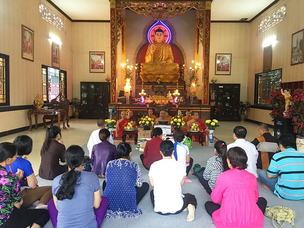 Phái đoàn chùa Bửu Quang thăm và cúng dường trường hạ năm 2018 - truong-ha-nam-tong-2.jpg (829106 KB)