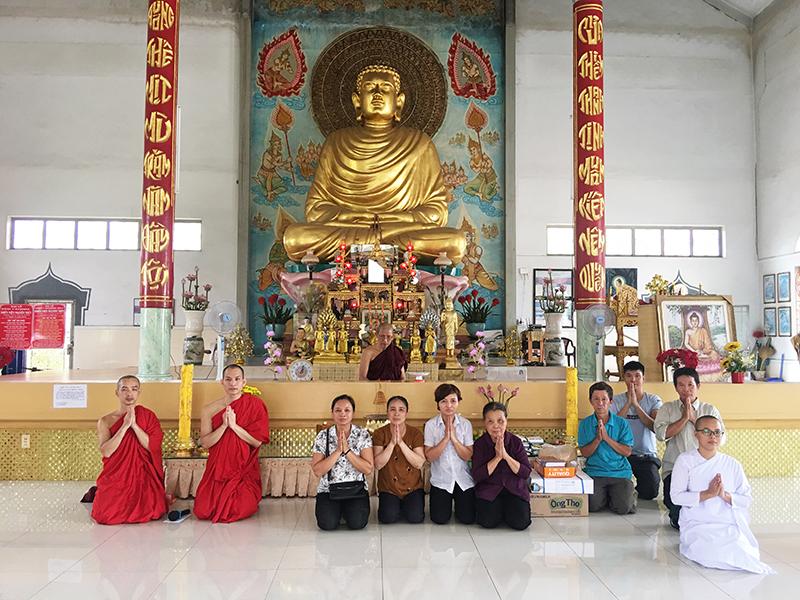 Phái đoàn chùa Bửu Quang cúng dường trường hạ năm 2018 - truong-ha-nguyen-thuy-1.jpg (515743 KB)