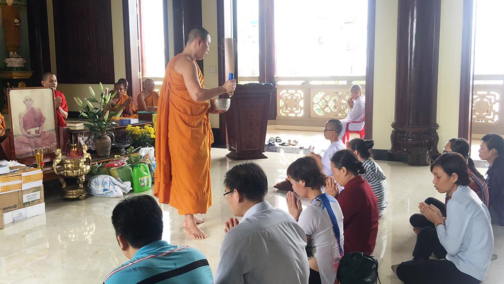 Phái đoàn chùa Bửu Quang thăm và cúng dường trường hạ năm 2018 - truong-ha-phat-bao-2.jpg (515277 KB)