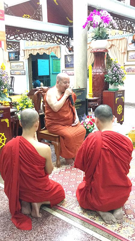 Phái đoàn chùa Bửu Quang cúng dường trường hạ năm 2018 - truong-ha-pho-minh-1.jpg (454629 KB)
