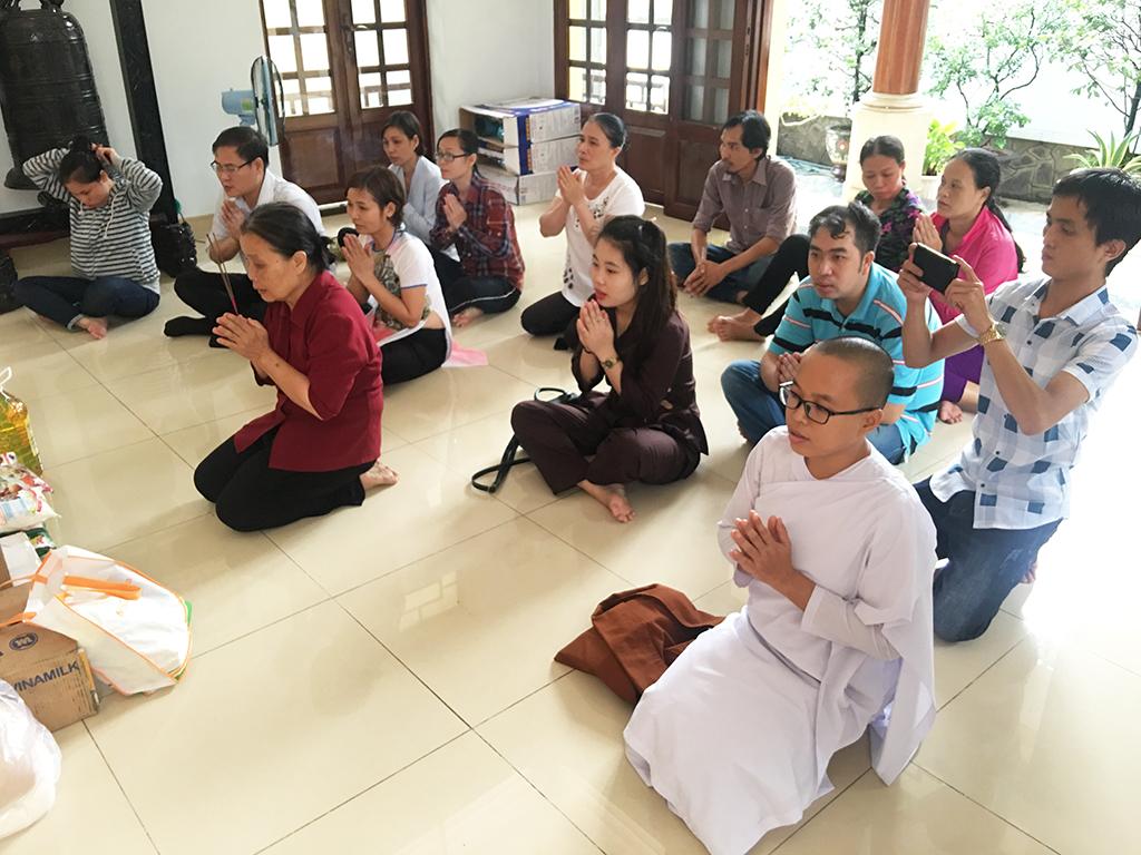 Phái đoàn chùa Bửu Quang thăm và cúng dường trường hạ năm 2018 - truong-ha-truc-lam-1.jpg (627348 KB)