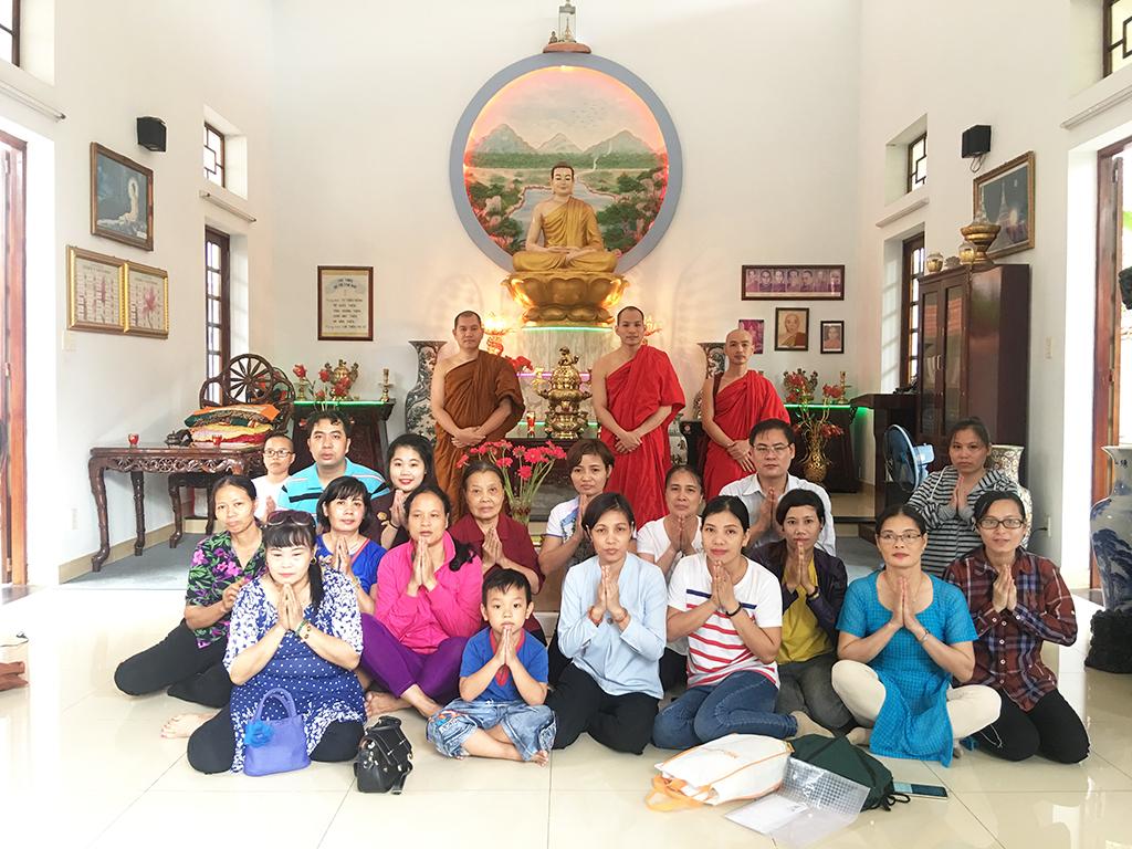 Phái đoàn chùa Bửu Quang thăm và cúng dường trường hạ năm 2018 - truong-ha-truc-lam-3.jpg (702609 KB)