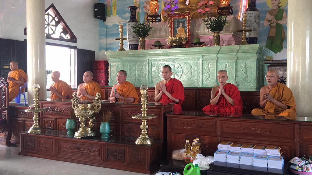 Phái đoàn chùa Bửu Quang thăm và cúng dường trường hạ năm 2018 - truong-ha-tu-quang-1.jpg (591256 KB)
