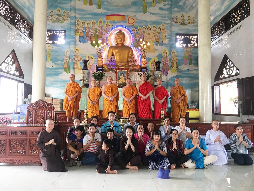 Phái đoàn chùa Bửu Quang thăm và cúng dường trường hạ năm 2018 - truong-ha-tu-quang-3.jpg (856974 KB)
