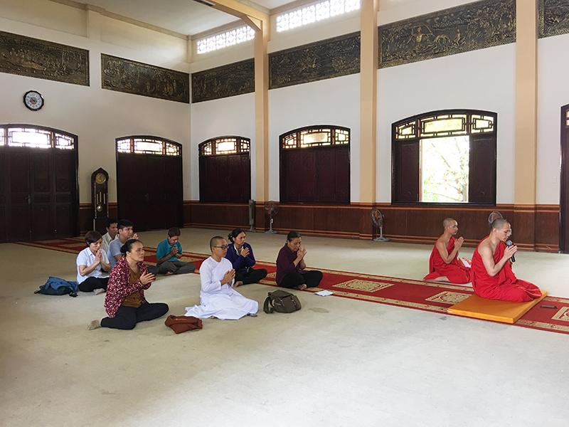 Phái đoàn chùa Bửu Quang cúng dường trường hạ năm 2018 - truong-ha-xlpd-1.jpg (404678 KB)