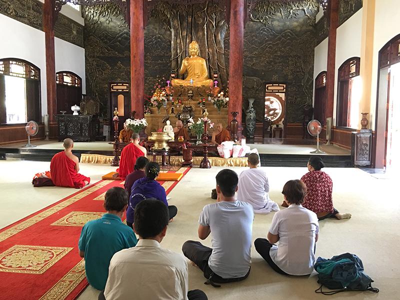 Phái đoàn chùa Bửu Quang cúng dường trường hạ năm 2018 - truong-ha-xlpd-3.jpg (493737 KB)
