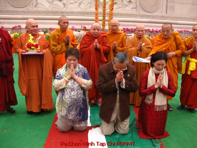 Gia Đình Đại Thí Chủ Ông Nguyễn Thiện Nhân và Phật Tử Diệu Nghĩa tác bạch dâng đất cúng dường