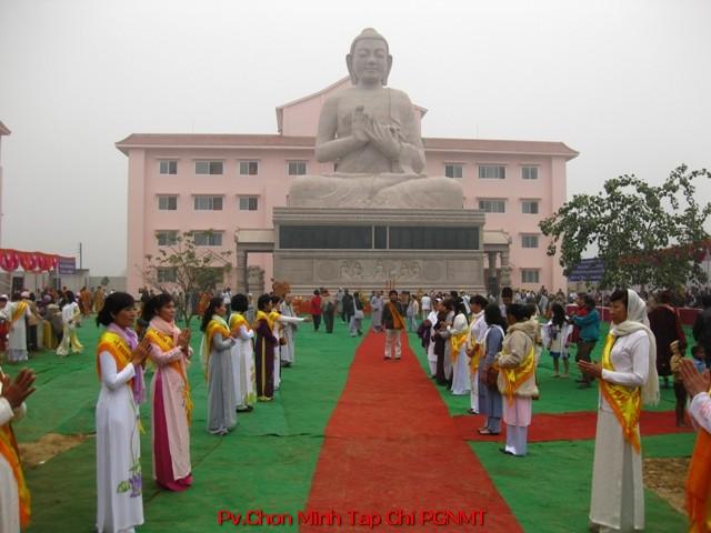 Quang cảnh chùa Đại Lộc Ngày lễ Lạc Thành 6-12-2014 tại Ấn Độ