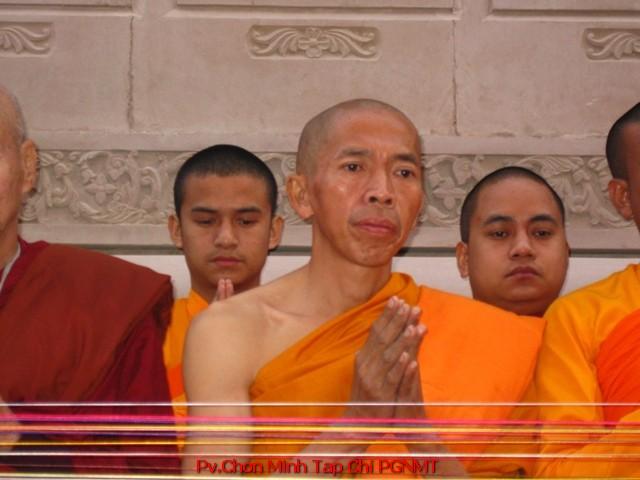 TT.TS. Tường Quang tại lễ kiết giới Sima Chùa Đại Lộc chiều 5-12-2014